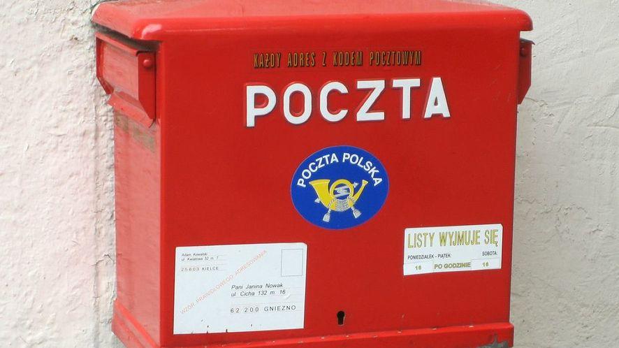 Administracja łączy siły z Pocztą Polską: tradycyjne listy z dostawą na smartfona