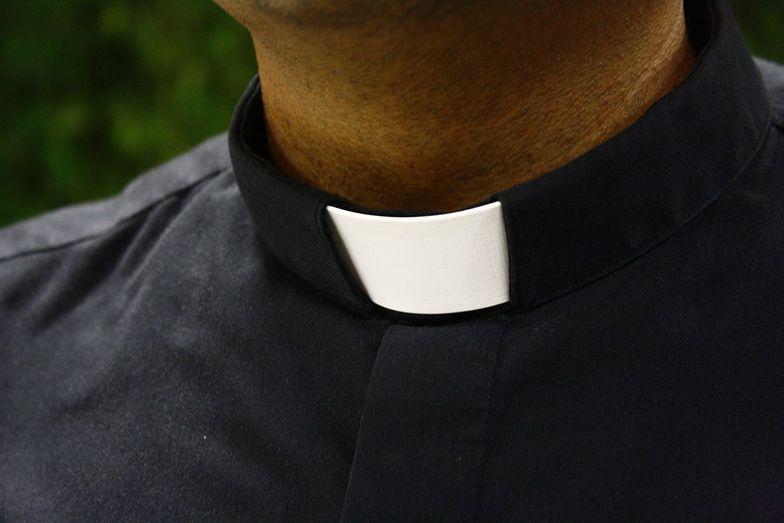 Coraz więcej ludzi odsuwa się od Kościoła. Ksiądz wskazuje przyczynę