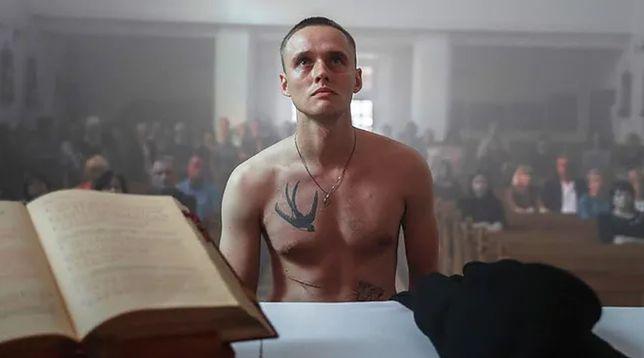 """Bartosz Bielenia gwiazdą filmu """"Boże ciało"""": """"W dzieciństwie chciałem zostać księdzem"""""""