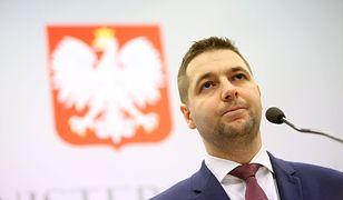 """Patryk Jaki złożył wniosek o """"delegalizację neonazistów"""""""