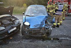 Wypadek w Mikołowie. Trzy rozbite pojazdy, winny 83-latek