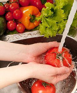 Jak myć owoce i warzywa? Sprawdź, jak to robić, aby spożywać produkty bez zanieczyszczeń