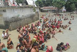 1200 zabitych przez powódź, miliony pozbawione domu. Świat milczy o tej klęsce