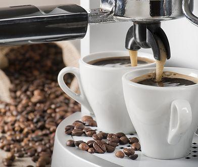 Chcesz serwować kawę jak prawdziwy barista? Pomoże ci w tym expres do kawy!