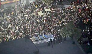 Fani XXXTentaciona zakorkowali ulicę w Los Angeles