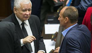 """Kukiz dogadał się z Kaczyńskim? Prezes """"inwestował w ich znajomość"""""""