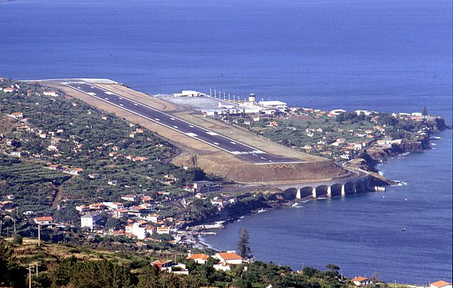 Lotnisko Madera - widok z lądowania