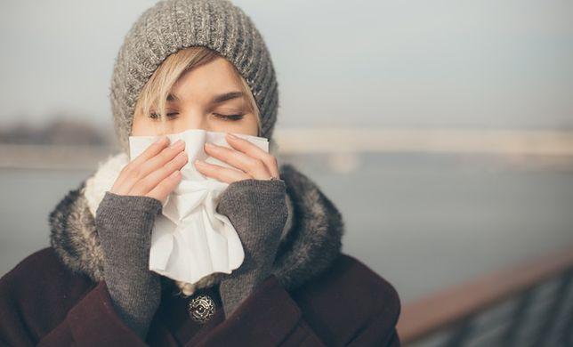 Co się dzieje, gdy kichamy? Zaskakujące badania naukowców