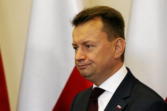 """Mariusz Błaszczak nazwał Donalda Tuska """"człowiekiem-porażką""""."""