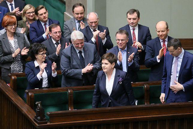 Rząd Beaty Szydło ma 41 proc. zwolenników