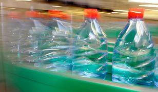 Nestle kończy z jednorazowymi opakowaniami, ale z plastiku się nie wycofa