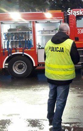 Śląskie. Wspólna akcja medyków, policji i straży pożarnej uratowała życie chorego mieszkańca Katowic.
