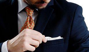 Granatowy garnitur - obowiązkowa pozycja w męskiej szafie
