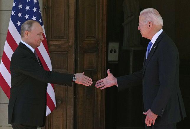Joe Biden i Władimir Putin podczas spotkania w Szwajcarii