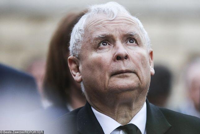 Jarosława Kaczyńskiego ściągawka z przekazem dnia nie dotyczy