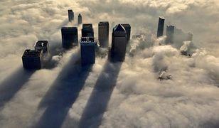 Londyn - niesamowite zdjęcia miasta we mgle