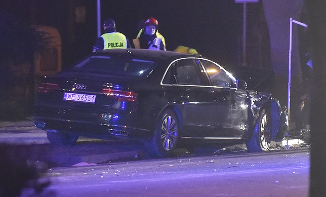 Rozbite Audi przez prawie dwa lata przebywa na policyjnym parkingu