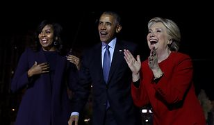 PHILADELPHIA, PA - NOVEMBER 07:  (L-R) U.S. First Lady Michelle Obama, U.S. President Barack Obama and Democratic presidential nominee former Secretary of State Hillary Clinton greet supporters during a campaign rally on Independence Mall on November 7, 2016 in Philadelphia Pennsylvania. With one day to go until election day, Hillary Clinton is campaigning in Pennsylvania, Michigan and North Carolina.  (Photo by Justin Sullivan/Getty Images)