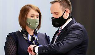 Anna Siarkowska i Janusz Kowalski. Oboje zagłosowali przeciwko Funduszowi Odbudowy