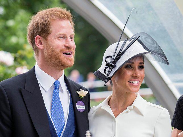 Książę Harry pogroził dżokejowi na wyścigach konnych, bo pocałował Meghan