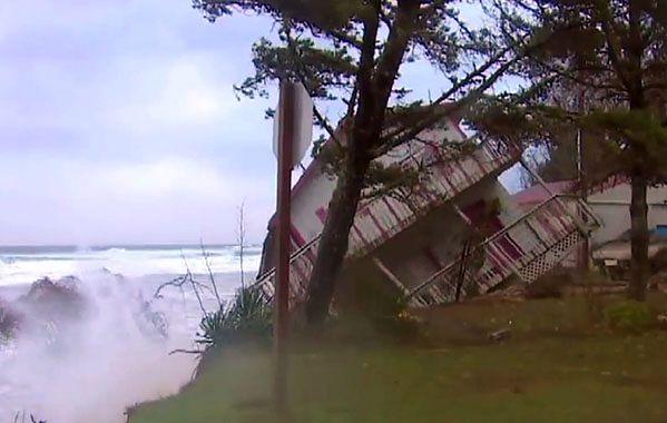"""Dom wpadł do oceanu. """"Szybciej niż myśleliśmy"""""""