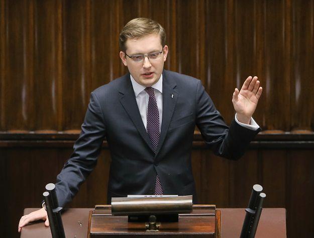 """Trybunał Stanu dla Bartłomieja Sienkiewicza? Robert Winnicki: niech PiS będzie konsekwentny. Mówimy """"sprawdzam"""""""