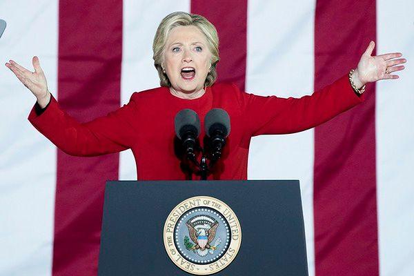 """Koniec kampanii wyborczej Clinton w """"amerykańskim stylu"""""""