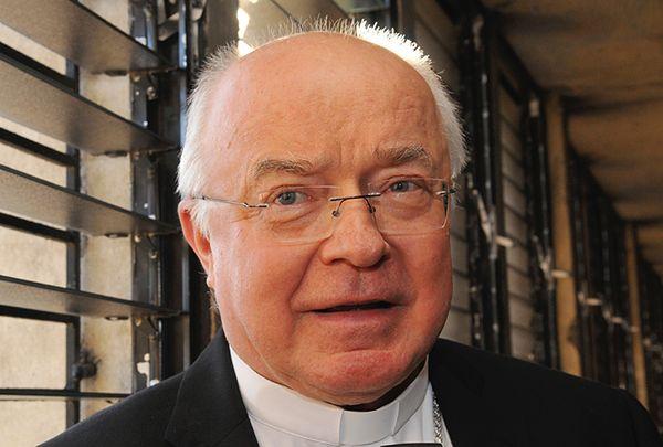 Ansa: abp Wesołowski swobodnie porusza się po Watykanie