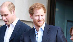 """""""O, stąd widać dom mojej babci"""". Urocza reakcja księcia Harry'ego"""