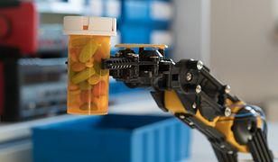 Robot-asystent za 350 tysięcy pomaga aptekarzom w pracy