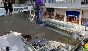 Polacy ograniczyli przedświąteczne zakupy. Ruch w sklepach zmniejszył się o blisko 70 proc.