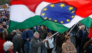 Węgierski rząd podpowiada, jak obejść własne prawo. Soros wygrywa z Orbanem