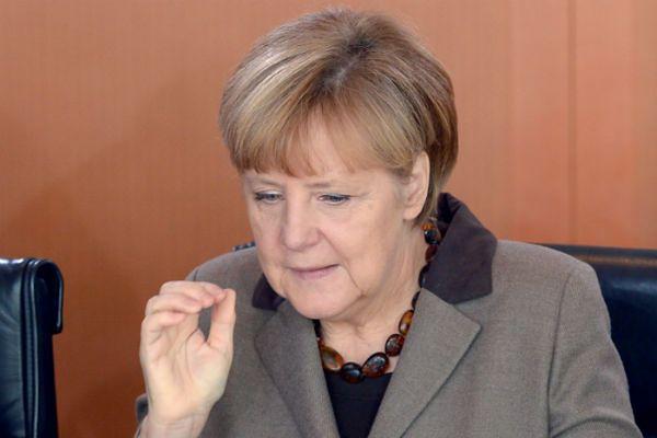"""Angela Merkel: """"nie"""" dla zniesienia sankcji wobec Rosji"""