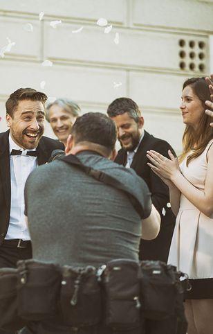 Pary młode oszczędzają na weselu i nie zapewniają posiłków obsłudze. Czy to standard?