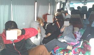 22 Bułgarów jechało 9-osobowym busem