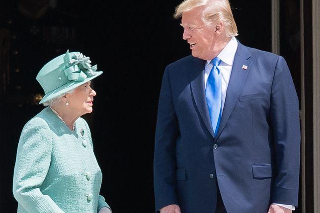 Królowa Elżbieta II i Donald Trump - doszło do żenującej sytuacji