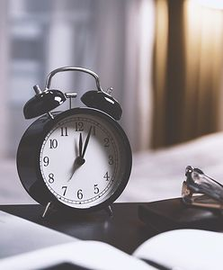 Zmiana czasu. Więcej zysków czy strat? Ekspert zabrał głos