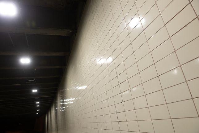 Warszawa. Zakończył się montaż nowego oświetlenia