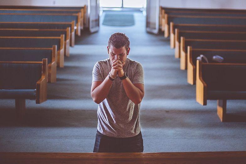 Masowa apostazja. Opublikowano listę osób, które wystąpiły z Kościoła