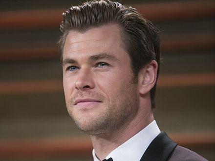 Chris Hemsworth w zabójczej broni
