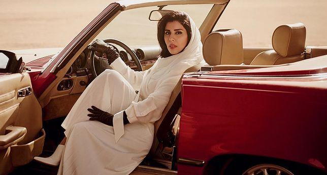 """Księżna Arabii Saudyjskiej za kierownicą. Mężczyźni oburzeni najnowszą okładką """"Vogue'a"""""""