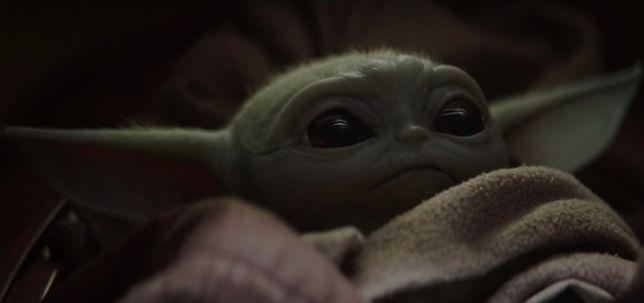 """""""The Mandalorian"""". Baby Yoda podbija serca internautów na całym świecie"""