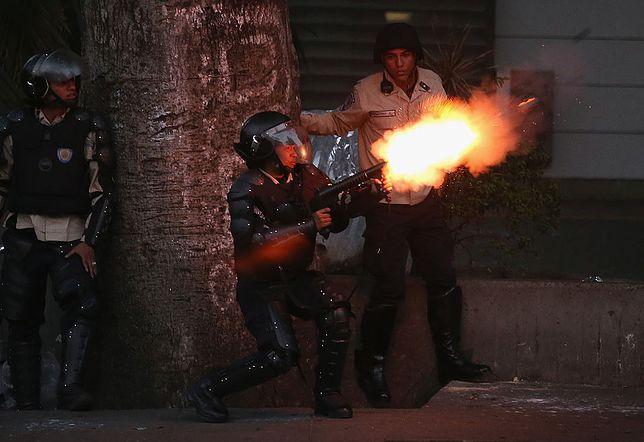 W Wenezueli runął pomnik Chaveza. Rośnie śmiertelne żniwo protestów