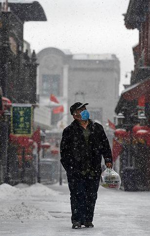 Koronawirus z Chin. Szef WHO przestrzegł przed optymizmem związanym ze spadkiem liczby zachorowań.