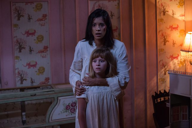 "Kadr z filmu ""Annabelle: Narodziny zła"""