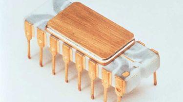 Intel 4004. Historia i architektura pierwszego procesora niebieskich - Intel 4004 w całej okazałości