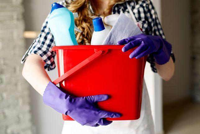 Żeby oszacować, ile zarabia sprzątaczka na godzinę, trzeba znać zakres jej obowiązków