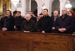 Warszawa. Jarosław Kaczyński podczas 7. rocznicy śmierci swojej matki