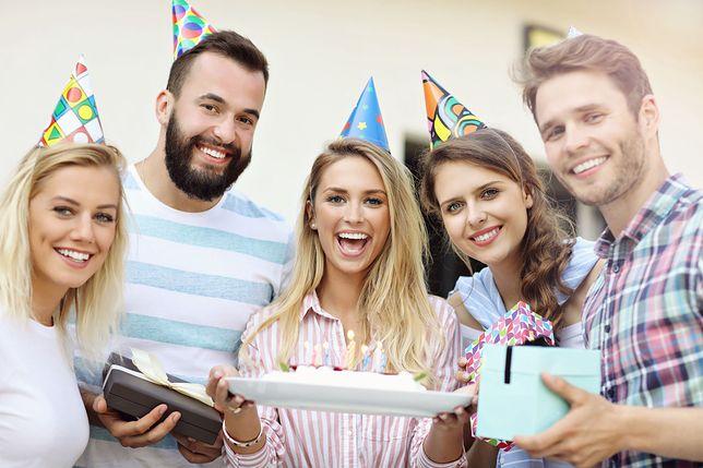 Życzenia urodzinowe powinny być szczere i prosto z serca.