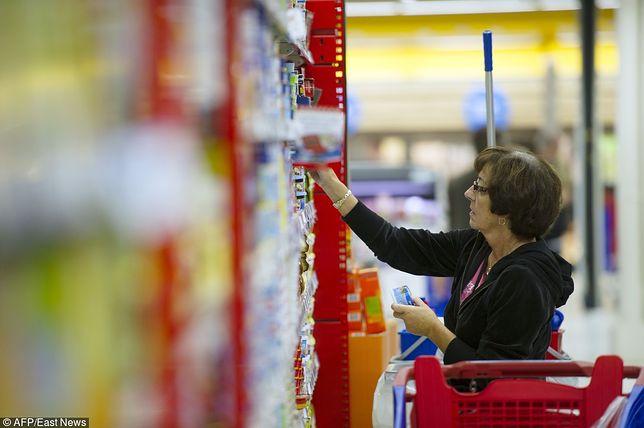 """Carrefour wprowadza """"ukraińską półkę"""". Chce przyciągnąć do sklepów klientów ze wschodu"""